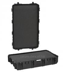 Case of 10840 Explorer suitcase container