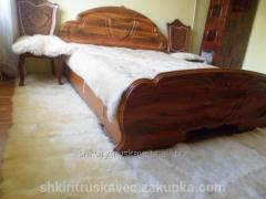Includes bedroom, 8 hides, sheepskin, white