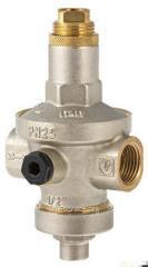 Pressure reducer adjustable membrane
