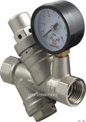 Pressure reducer with the filter and the manometer