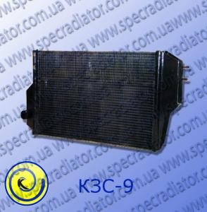 Radiator of cooling of the engine of a combine