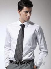 Shirt man's slim-fit with a long sleeve