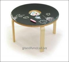 Table for drawing by pieces of chalk