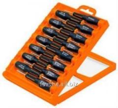 Set of precision Truper screw-drivers of 32 units