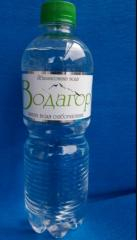 The highly carbonated water which is not aerated and slabogazirovanny