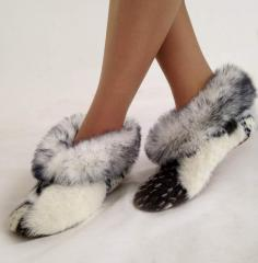 Slippers, slippers to wholesale, slippers on fur