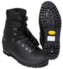 "Boots the mountain ""Vibram"""
