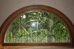 Окна арочные из натурального дерева