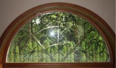 Окна с деревянными откосами