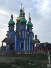 Църковни куполи, кръстове, интериор