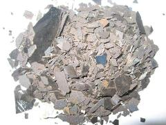 Manganese metal, scales.