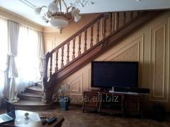 Классическая лестница коричневая