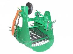 Kartofelekopatel of Km-5 (Skiff) conveyor to heavy