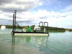 The self-propelled loosening Piranha dredge