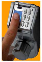 Замки биометрические - укомплектован запирающей