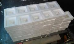 Container from polyfoam and expanded polystyrene