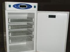 Инкубатор автоматический на 200 куриных яиц