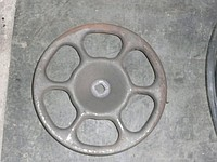 Steering wheel of the manual drive of the