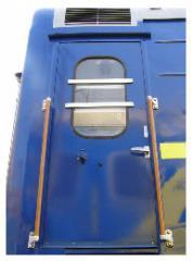 Set of vestibule doors