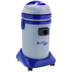 The vacuum cleaner for dry cleaning with a