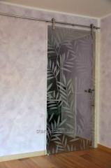 Двери стеклянные раздвижные с рисунком