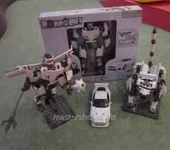 The transforming designer of roadbot 54030 (8