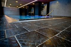 The tile is antiskid basal