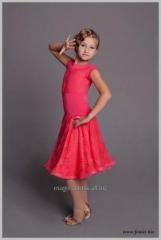 Платье рейтинговое .Ткань:бифлекс,гепюр.Цвет