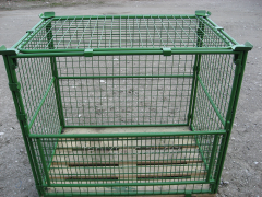 Net barriers for pallets