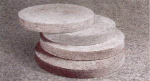 Felt circles (grubosherstny, polugrubosherstny, tonkosherstny and tonkosherstny circles of special quality, with a diameter of 300-500 mm, and 40-50 mm thick)
