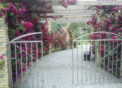 Open-work stell gates