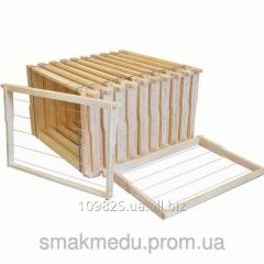 Framework is made of dry, planed material (a