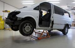 The car lift, Avtolift3000, the reliable assistant