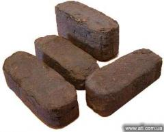 Peat milling PEAT BRIQUETTES for a fire chamber