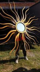 Зеркало Солнце в деревянной рамке