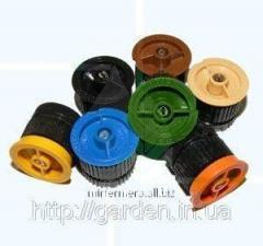 Nozzles for pullout spray