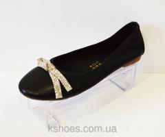 Female flats with Bellini bow