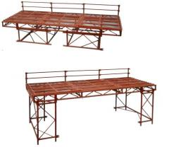 Table of scaffolding for the bricklayer with