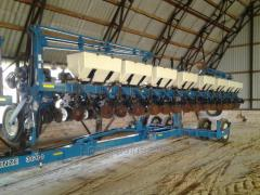 Seeder of Kinze 3600 16 line