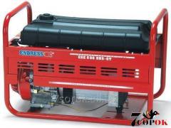 Бензиновый генератор ESE 606 DHS-GT