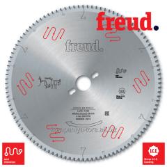 Circular saws Freud LU5C on PVC plastic and