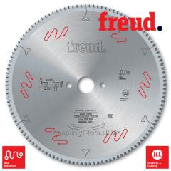 Circular saws Freud LU5E on PVC plastic and