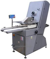 Machines for cutting bread