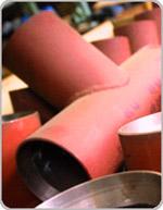 Tees are welded ravnoprokhodny
