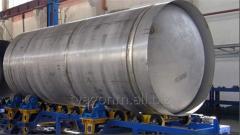 Кантователь для сборки контейнер-цистерны с арматурой