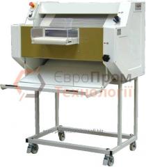 Machine for the manufacture of baguettes and