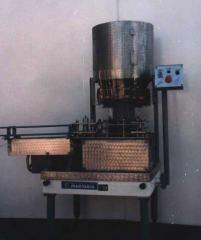 Машина укупорочная Ж7-ВУМ-3 для бутылок емкостью