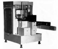 Sealing machines for conservation of products