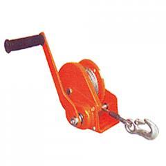 Boat hoist, hand operated