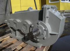 Cylindrical three-stage vertical crane reducers.
